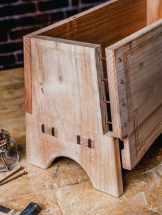 Issue Five: Norse Sea Chest by Kate Fox & Issue Five: Norse Sea Chest by Kate Fox – Mortise & Tenon Magazine & The post Issue Five: Norse Sea Chest by Kate Fox & Issue Five: Norse Sea Chest by Kate F& appeared first on Cassidy Woodworking.