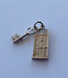 VINTAGE STERLING SILVER CHARM FRONT DOOR AND KEY
