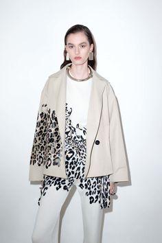 Krizia Pre-Fall 2018 Fashion Show Collection