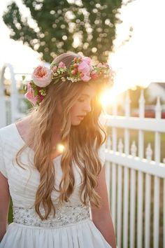 I love this crown for my flower girl. Bride's long loose waves bridal hair ideas Toni Kami Wedding Hairstyles ♥ ❶ Beautiful pink peony flower crown corona halo Pretty Hairstyles, Wedding Hairstyles, Style Hairstyle, Wavy Hairstyles, Hair Inspiration, Wedding Inspiration, Pretty Designs, Belle Photo, How To Look Pretty