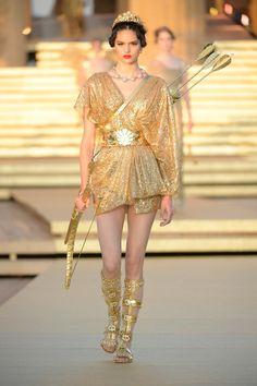 Look Fashion, Runway Fashion, Fashion Show, Fashion Outfits, Fashion Design, Vogue Fashion, Gothic Fashion, Haute Couture Dresses, Haute Couture Fashion