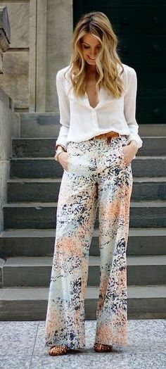 Love the wide leg loose pants and the design and color of the print