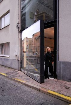 Facade-Door / House and Office in Antwerp by Sculp(it) Architecten