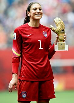 Hope Solo of USA poses with her Golden Glove Award after the 2015 FIFA Women's World Cup final match between USA and Japan at the BC Place Stadium in Vancouver, Canada on July Football Players Images, Female Football Player, Soccer Players, Worldcup Football, Carli Lloyd, World Cup Champions, Hope Solo, Soccer World, Sports Women