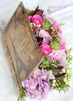DIY Vintage Flower Arrangement With An Old Book