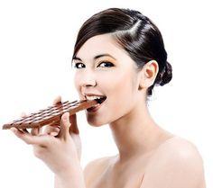 Adelgazar comiendo chocolate es posible siguiendo unos sencillos pasos y teniendo un poco de cuidado. Nada dificil. ¿Te animas?