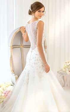 Mermaid style dresses illusions and mermaid style on for V neck wedding dresses australia