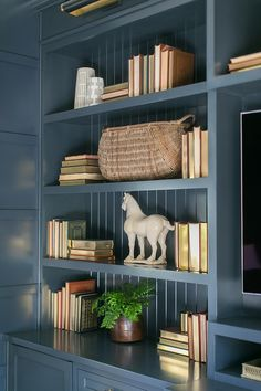 Bookcase decor Books and neutral decor add interest to the custom bookshelves Wall Mounted Bookshelves, Custom Bookshelves, Bookcase, Boho Chic Interior, Bohemian Bedroom Design, Home Office Decor, Home Decor Bedroom, Bedroom Ideas, Interior Exterior