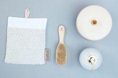 Schluss mit Katzenwäsche - mit dem weichen Waschlappen aus Baumwollfrotte und der Handschlaufe, wird die tägliche Reinigung für die Kleinen zum sicheren Waschsspass.
