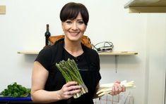 Asparagus, Celebrity, Vegetables, Food, Asia, Recipes, Studs, Essen, Eten