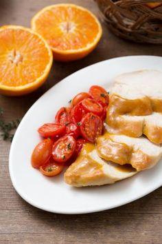 Petto di pollo all'arancia: leggero e fresco. Dai un  tocco speciale al classico secondo piatto.  [Chicken breast in orange sauce]