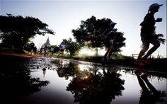 Bagan Temple Marathon au Burma! Visiter les pagodes et les temples sacrés en courant.Cool!