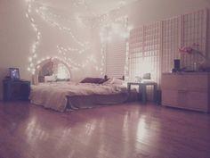 another simple teenage bedroom #gottaloveit