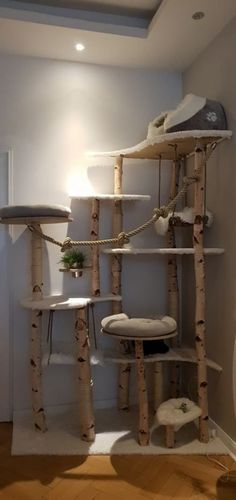15 things to avoid when creating a custom cat tree - Cats diy - Cats - Katze - Katzen Animal Room, Animal Decor, Cat Tree House, Cat House Diy, Diy Cat Tree, Cat Towers, Cat Playground, Playground Design, Cat Shelves