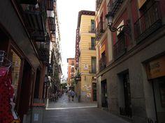 Calle en el centro de Madrid. España.