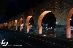 Fray Antonio de San Miguel, fue el que inició en, 1785, la construcción del actual acueducto resolviendo así la falta de agua en la ciudad y generando empleo.