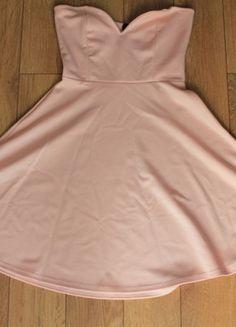 Kup mój przedmiot na #vintedpl http://www.vinted.pl/damska-odziez/krotkie-sukienki/11268757-sukienka-rozkloszowana-pudrowy-roz-bez-ramiaczek-lipsy-przepiekna