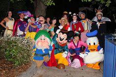 Disney characters on the Fantasmic Boat! Disney Fun, Disney Magic, Disney Parks, Disney Stuff, Face Characters, Disney Characters, Fictional Characters, Disneyland Princess, Disneyland Christmas