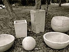 Variance Vessels, by local artisan Zachary Aric Zamora, are a series of multi-functional cement and aggregate sculptures. Beautiful and useful, they work for indoor and outdoor spaces! See more about them after the jump! Cement Art, Concrete Cement, Concrete Crafts, Concrete Projects, Concrete Garden, Cement Patio, Concrete Planter Molds, Concrete Leaves, Concrete Furniture