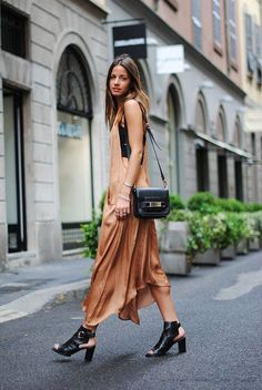 Idée Tenue Day to night : Dress: fashion vibe long summer nude cut out shoes peep toe boots rust nude date outfit