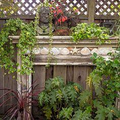 Impressive 40 Marvelous DIY Wall Gardens Outdoor Design Ideas https://decoor.net/40-marvelous-diy-wall-gardens-outdoor-design-ideas-1463/