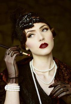 Idda van Munster: Dark 1920's Flapper Look by Nina and Muna