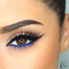 How to Make Eyeliner for Every Eye Shape: Tips and Tricks for Sure-Fire The blue liner and the mascara balance the black top-liner perfectly. - # for # everyoneInformationen zu So machen Sie Eyeliner für jede Augenform: Tipps und Trick Eyeliner Make-up, How To Do Eyeliner, Color Eyeliner, Brown Eyeshadow, Makeup For Brown Eyes, Make Up Brown Eyes, Sparkly Eyeshadow, Brown Skin, Eyeshadow Palette