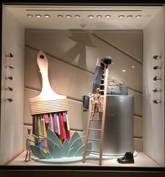 Fabulous holiday 2015 Hermes window display at the Americana shopping center in Manhasset, NY features Hermes ties as the bristles in a paint brush. Window Display Design, Store Window Displays, Booth Design, Retail Displays, Visual Merchandising Displays, Visual Display, Retail Windows, Store Windows, Hermes Window