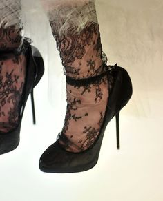 Lace socks + shoes