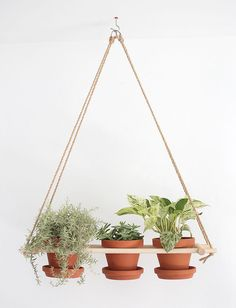 DIY Hanging Planter | @themerrythought