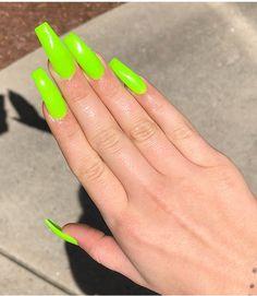 Nails on fleek, my nails, bright acrylic nails, bright nails, coffin Bright Acrylic Nails, Bright Nails, Gorgeous Nails, Pretty Nails, Green Nail Designs, Finger, Claw Nails, Ballerina Nails, Hot Nails