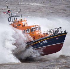 Tug Boats, Motor Boats, Going Fishing, Fishing Boats, Sea State, Rogue Wave, Rough Seas, Stormy Sea, Us Coast Guard