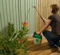 Cuprinol power sprayer for fences (wood stain colour is Willow) - Modern