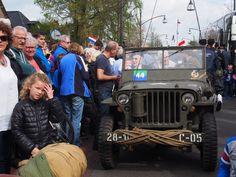 Veel belangstelling voor de Veteranen uit Canada. In Friesland