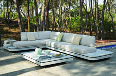 Discover all the information about the product Modular sofa / contemporary / outdoor / fabric ELEMENTS - MANUTTI and find where you can buy it. Outdoor Bar Table, Outdoor Sofa Sets, Outdoor Dining Chairs, Outdoor Furniture, Outdoor Decor, Garden Furniture, Lounge Chairs, Outdoor Living, Contemporary Outdoor Fabric
