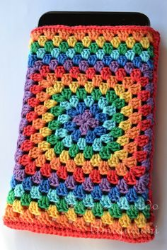 It is a Amigurumi World: Case for Tablet ... join as you go grannies for tablet cover