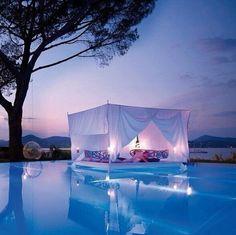 Una piscina así... pic.twitter.com/XnypeoGHFf