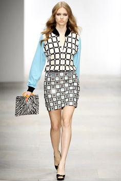 Holly Fulton Spring 2012 Ready-to-Wear Fashion Show