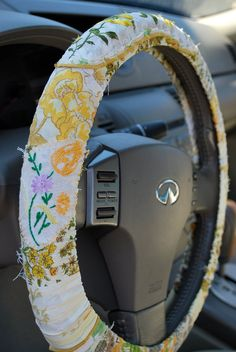 $20 #vintage Hippie Chic Steering Wheel Cover in yellows