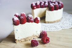 Greek yoghurt and passionfruit cheesecake with cashew coconut crust