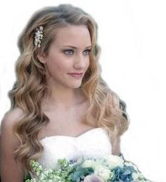 Classic and Simple Blonde Wavy Long Bridal Hair Style with Beady Chic Buckle