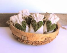 Cotton and moss bags