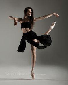 Ellison Ballet's Emily Neale.  By Rachel Neville