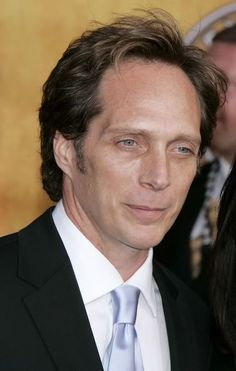 ~Laurie~ William Fichtner arrives at the Annual Screen Actors Guild Awards held at the Shrine Auditorium on January 2006 in Los Angeles, California. Actors Male, Actors & Actresses, Vintage Hollywood, In Hollywood, Drive Angry, Michael Scofield, Famous Men, Famous People, Celebrities