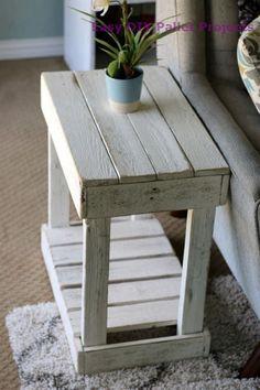 56 latest and fresh diy wood pallet ideas 9 Diy Wood Pallet, Diy Pallet Furniture, Diy Pallet Projects, Wooden Pallets, Furniture Projects, Furniture Plans, Rustic Furniture, Furniture Design, Modern Furniture