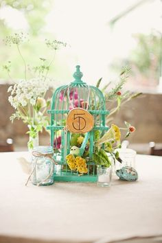 Birdcage table number ! Love for garden wedding