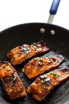 Amazing Honey Sriracha Salmon on chefsavvy.com