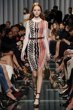 Louis Vuitton Fashion Show & more luxury details