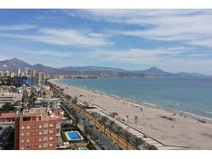 REF: ID 904. Beautiful flat located in El Campello with 4 bedrooms, 3 bathrooms, elevator, parking and swimming pool.