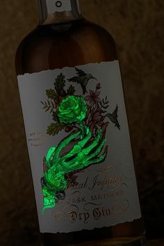 Quevedo Gin on Packaging of the World - Creative Package Design Gallery Food Packaging Design, Bottle Packaging, Packaging Design Inspiration, Brand Packaging, Branding Design, Product Packaging, Coffee Packaging, Wine Bottle Design, Wine Label Design